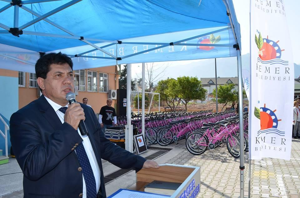 Kemer'de Bin 450 Öğrenci Bisikletine Kavuştu