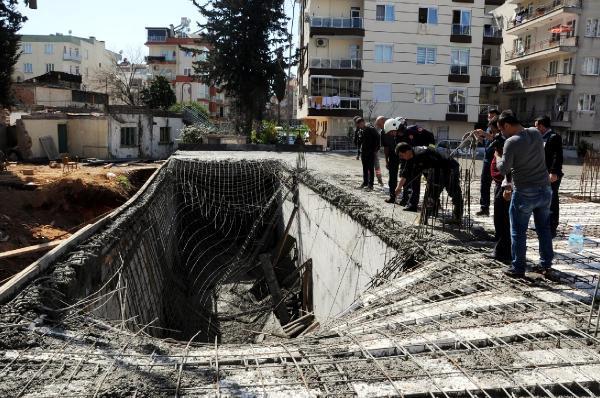 İnşaatta beton dökülürken kalıp çöktü, 4 işçi yaralandı