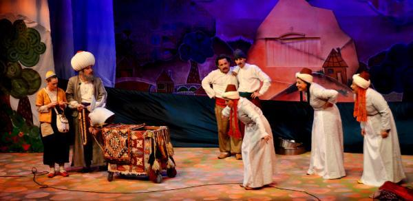 Çocuklar Nasreddin Hoca ile güldü