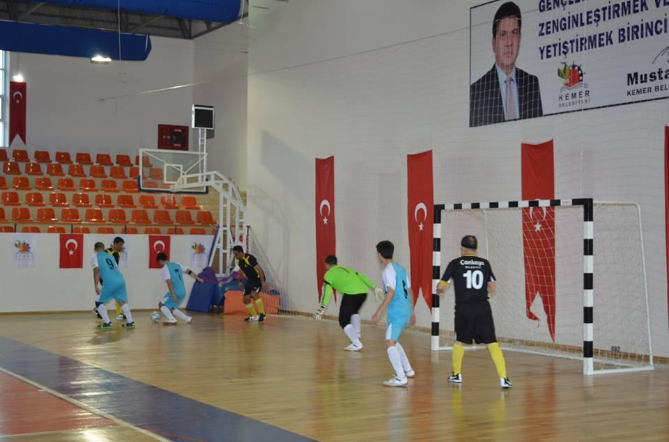 Görme Engelliler Futsal müsabakaları Kemer'de başladı