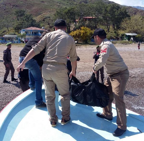 Kumluca'da deniz kıyısında erkek cesedi bulundu