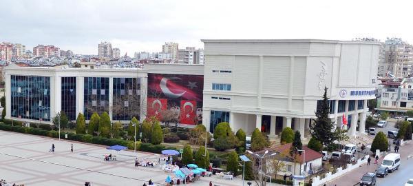 Muratpaşa Belediyesi'ne icra şoku