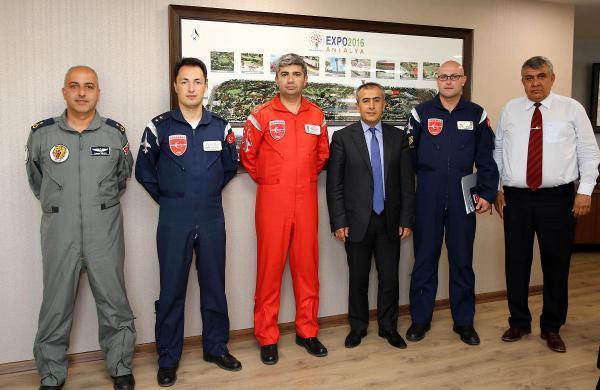 Türk Yıldızları 23 Nisan'da EXPO 2016'da