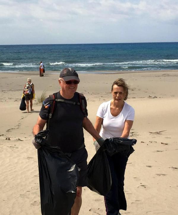 Yerleşik İngilizler Patara Plajı'nı temizledi