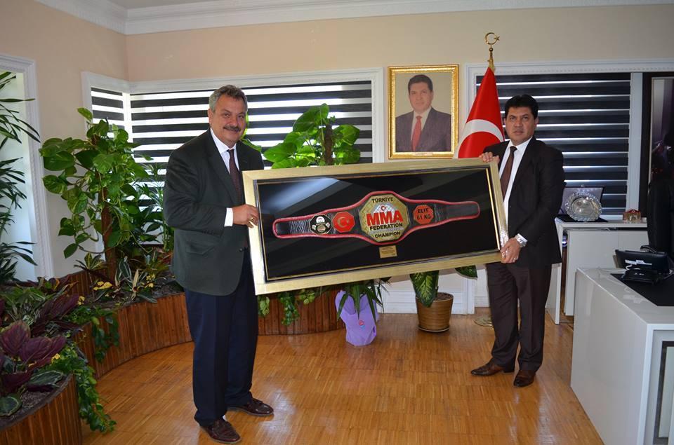 Başkan Gül'e Altın Kemer