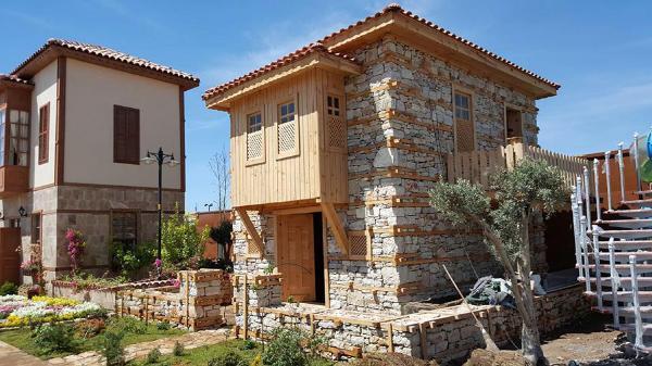 Tarihi 'düğmeli evler' EXPO'da