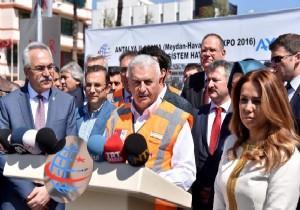 Bakan Yıldırım Antalya'daydı