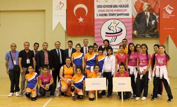 Çocuk Destek Merkezleri 3'üncü Voleybol Türkiye Şampiyonası başladı