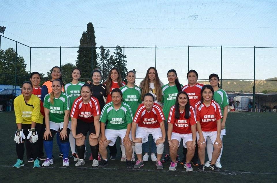 Bayanlar Futbolda Bizde Varız Dediler