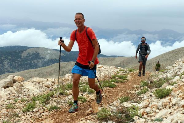 2365 metrelik zirveye yarış