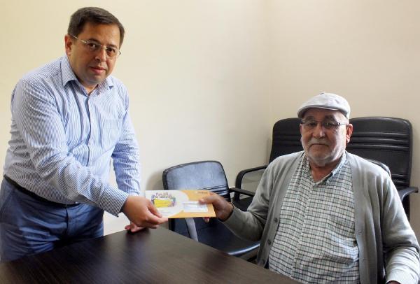 Kumluca'da ihtiyaç sahiplerine sosyal kart dağıtıldı