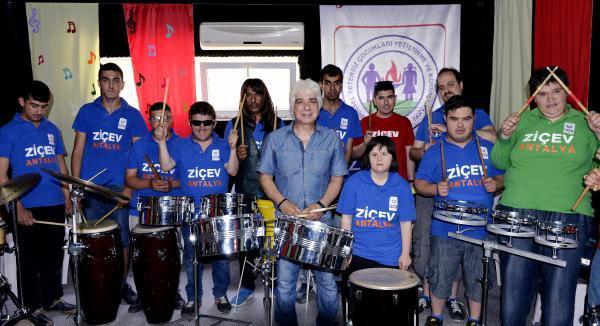 Özel çocuklar ritim grubu, New Jersey için beğeni bekliyor