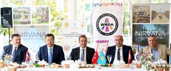 Kazakistan heyetine Antalya tanıtımı