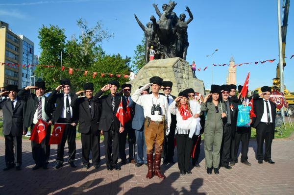 Atatürk'ün Samsun'a çıkışı canlandırıldı
