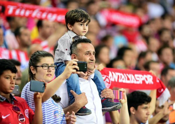 Antalyaspor'un sezonluk maç bileti fiyatları açıklandı