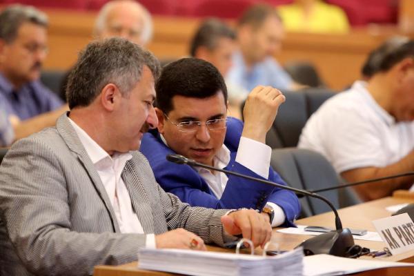 Mecliste kardeş kent tartışması