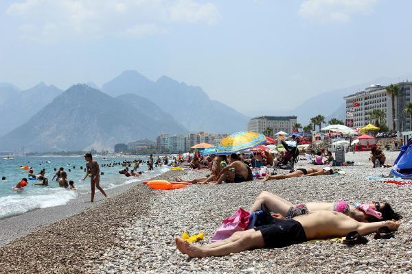 Antalya'da hava sıcaklığı düştü