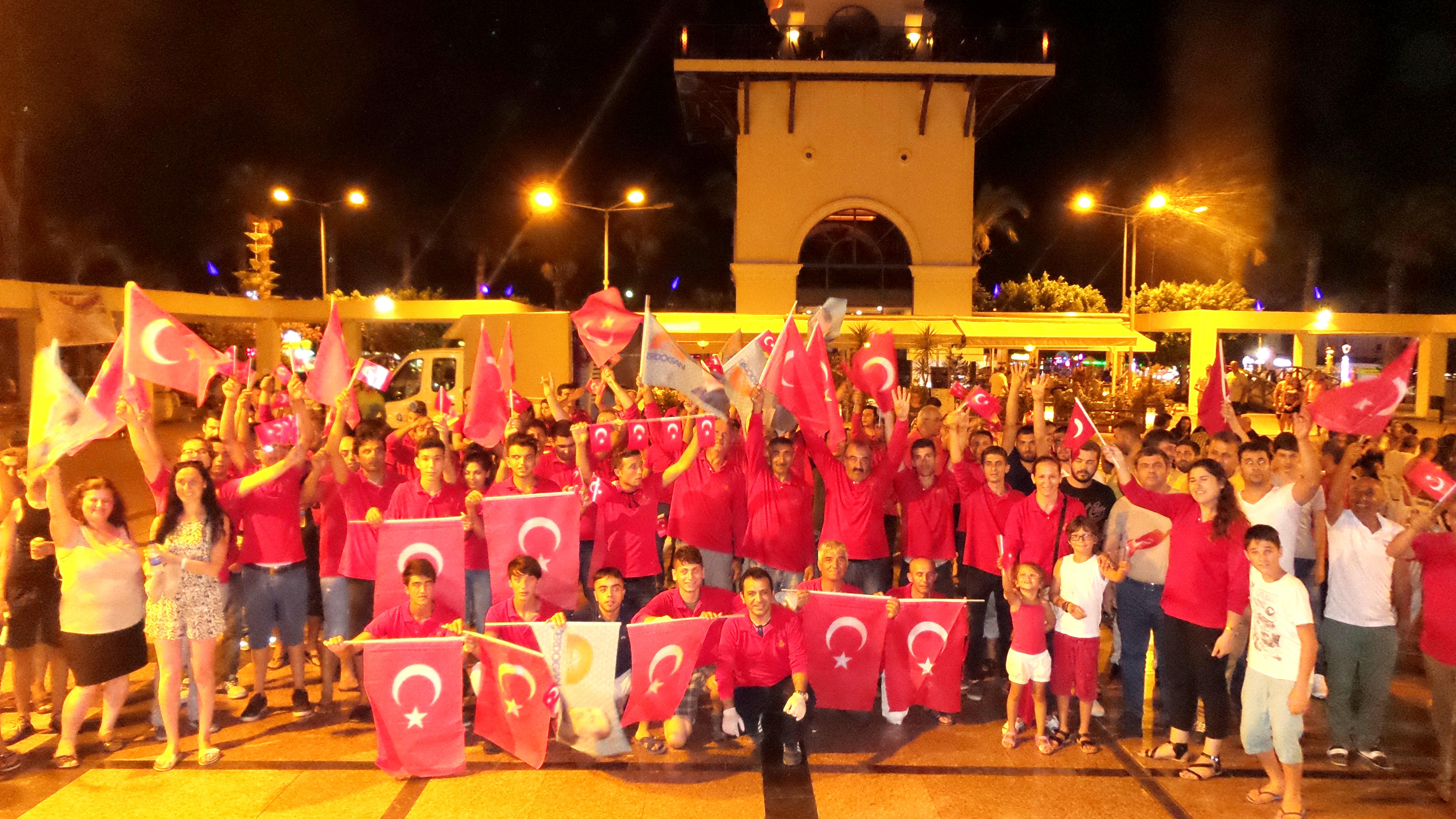 """""""DİK DUR EĞİLME DAİMA SENİNLE"""""""