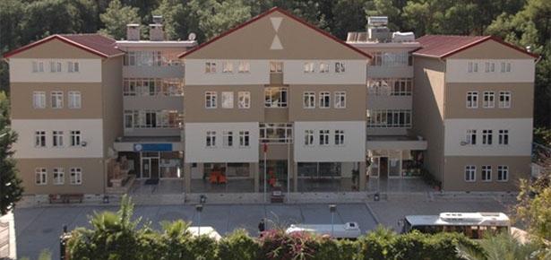 Antalya'da 32 okul, 25 vakıf ve dernek kapatıldı