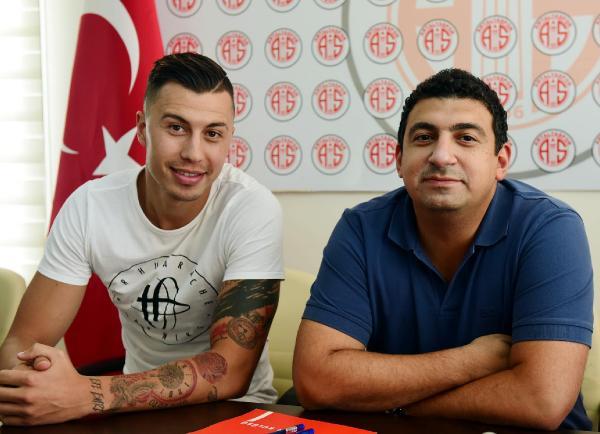 Antalyaspor Emre Güral'la anlaştı