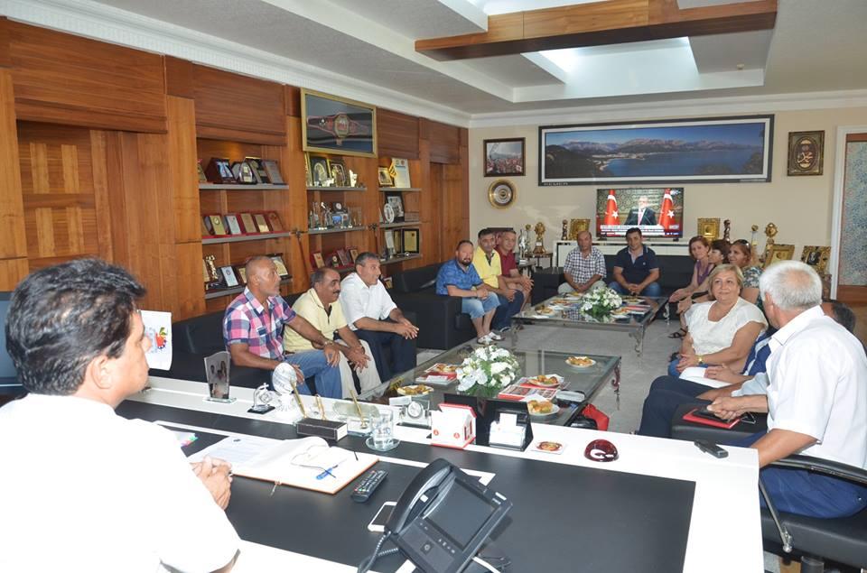 Alevi Derneklerinden Başkan Gül'e Anlamlı Ziyaret