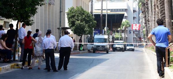Antalya'da şüpheli paket paniği