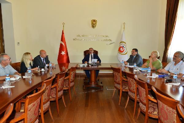 Vali Karaloğlu, kazı başkanlarını kabul etti