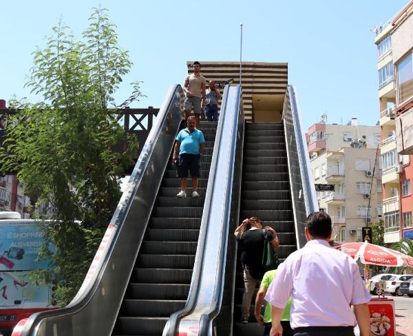 Antalya'nın üst geçitleri gözetim altında