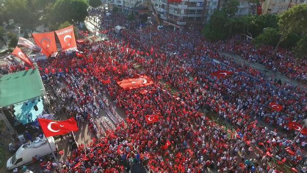 Antalya'daki mitinge 30 bin kişi katıldı