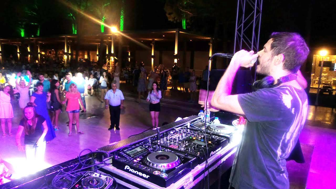 Bu yıl Alva Donna Otellerinin Yıldızı DJ Burak Yeter oldu.