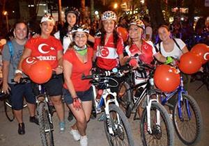 Bisikletçilerden 'Zafer Turu'