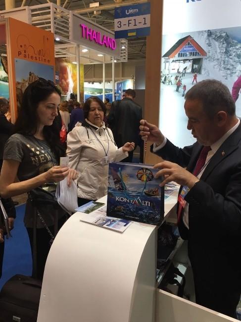 Başkan Böcek, Kiev'de Konyaaltı'nı Anlattı