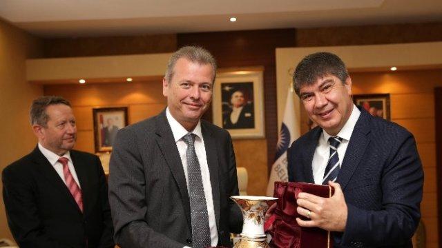 Nürnberg Belediye Başkanı Antalya'da