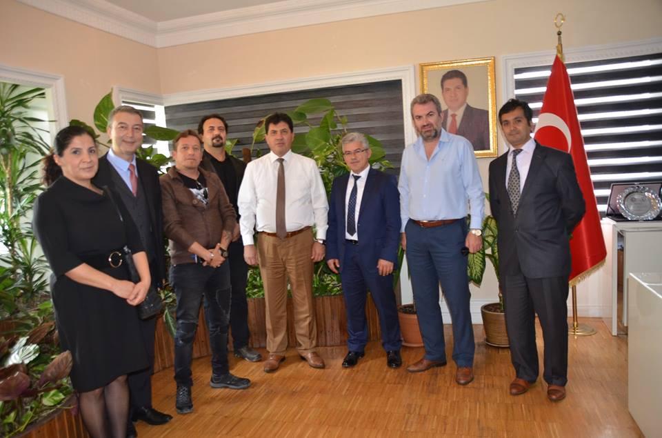 Dernek Başkanı Rus Festivali İçin Başkan Gül'ü Makamında Ziyaret Etti