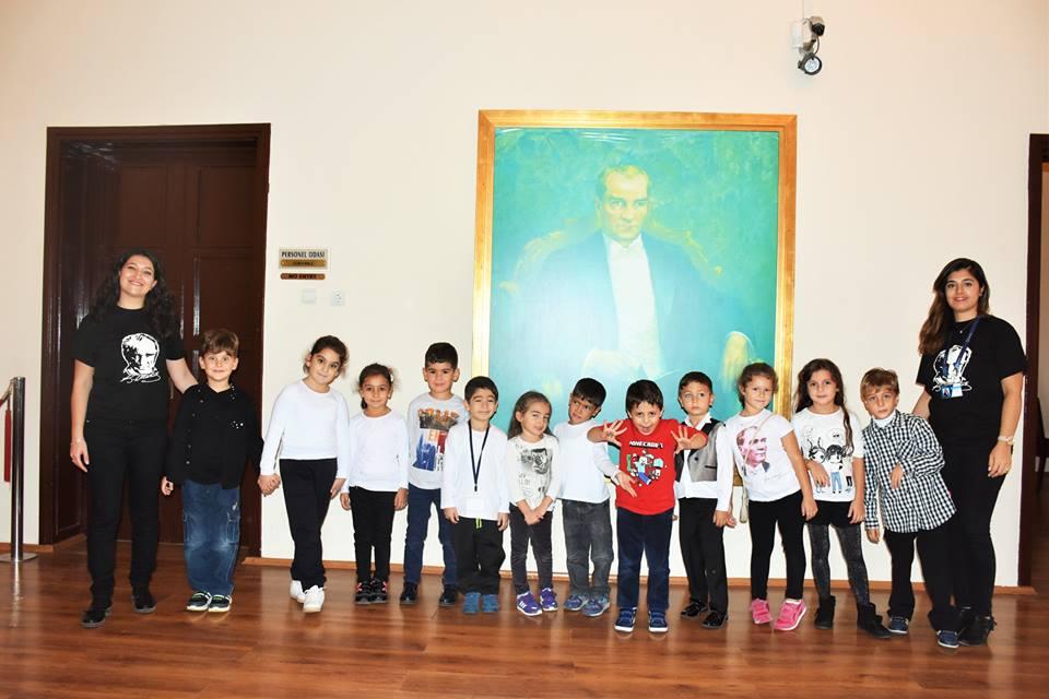 Bilge Adam Koleji anasınıfı öğrencileri, öğretmenleriyle birlikte Atatürk Evi'ni ziyaret etti