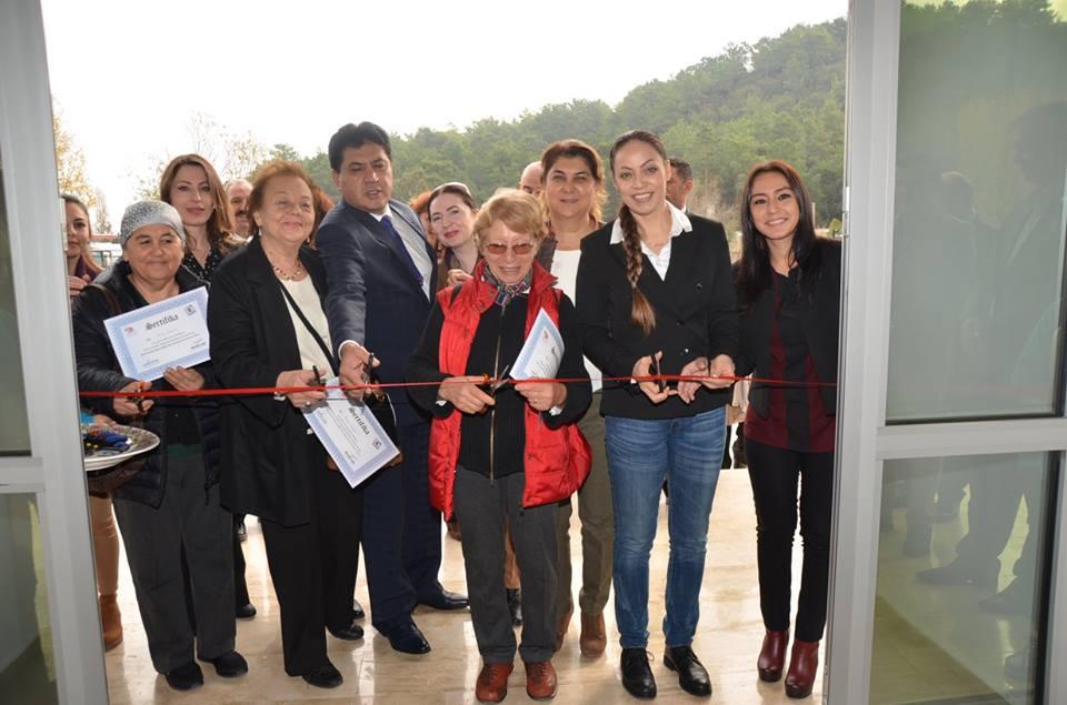 Kemer Belediyesi Seramik Sergisi Açıldı