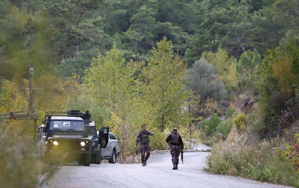 Antalya'da Jandarma Ekiplerine Ateş Açıldı: 1 Asker Yaralı