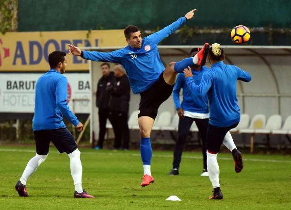 Antalyaspor'da Fenerbahçe hazırlığı başladı