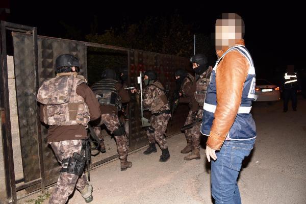 Antalya'da şafakta uyuşturucu operasyonu
