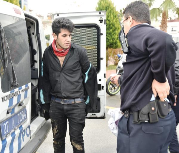 Polisin 'dur' ihtarına uymadı, 'hadi vurun beni' dedi
