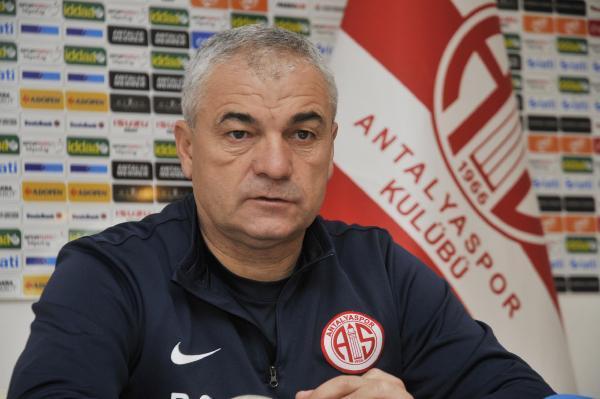 """Antalyaspor teknik direktörü Çalımbay: """"Eto'o'ya transfer teklifi yok"""""""