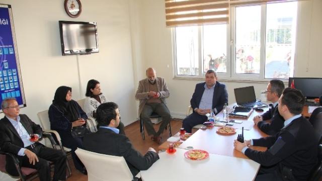 Kemer'de Parti Temsilcilerinden Polise Taziye Ziyareti