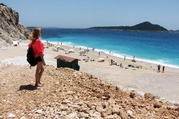 Kaputaş Plajı'nın 'doğal karakteri bozuldu'