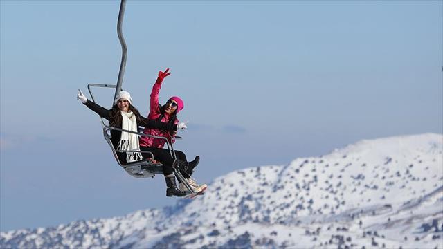 Konyaaltı'nda yüzme, Saklıkent'te kayak keyfi