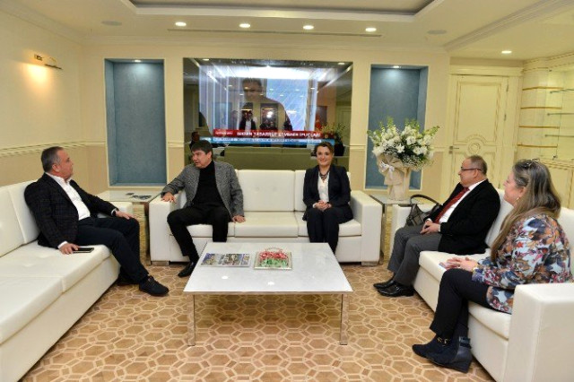 Konyaaltı Belediye Başkanı Böcek'in Başkan Türel'i Ziyareti