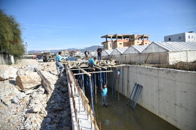 Alanya Belediyesi Seraphan Deresi'ni Islah Ediyor