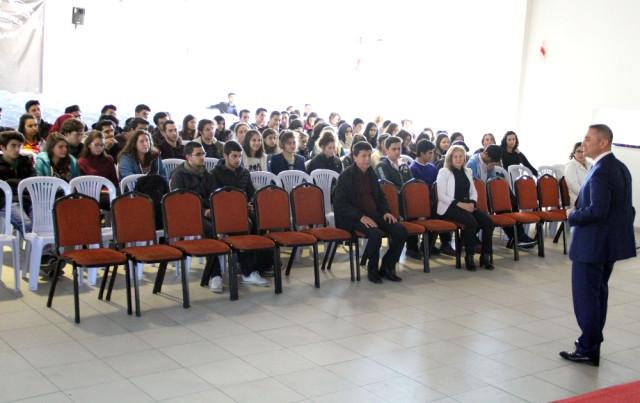 Alanya'da Lys ve Ygs Öncesi Öğrencilere Moral Söyleşisi
