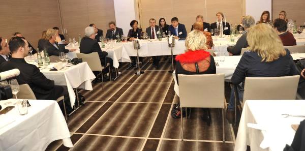 Antalya Büyükşehir Belediye Başkanı Türel: Evlilik Paketiyle Antalya'ya Gelenlerin Nikahını Ben…