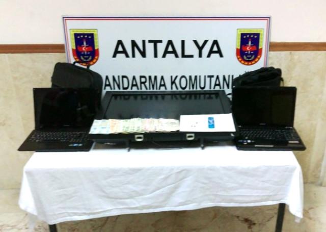 Antalya'da 3 Hırsızlık Zanlısı Tutuklandı