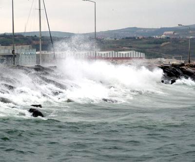 Antalya Körfezi'nde Fırtına Uyarısı